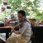 バイオリンが間近で聴けるカフェのミニコンサート